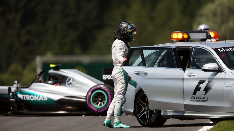 Nico Rosberg receives 5-place grid penalty after practice crash