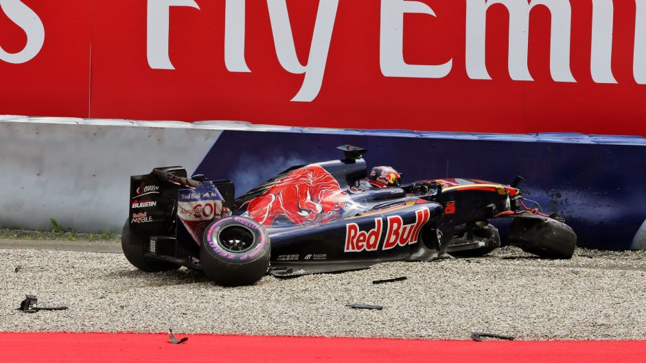 Kvyat to start from the pits after crash