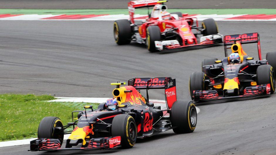 Ricciardo learning from Verstappen's technique