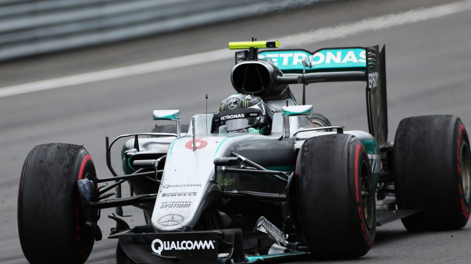 "Mercedes tell Hamilton and Rosberg they ""remain free to race"""