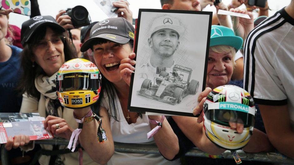 Lewis Hamilton fans, Mercedes, Silverstone, 2016