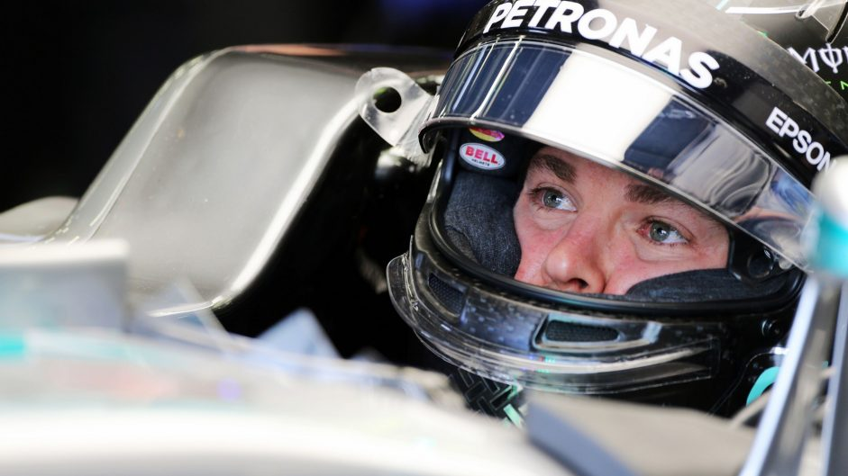 Rosberg avoids penalty for slow driving in Q1