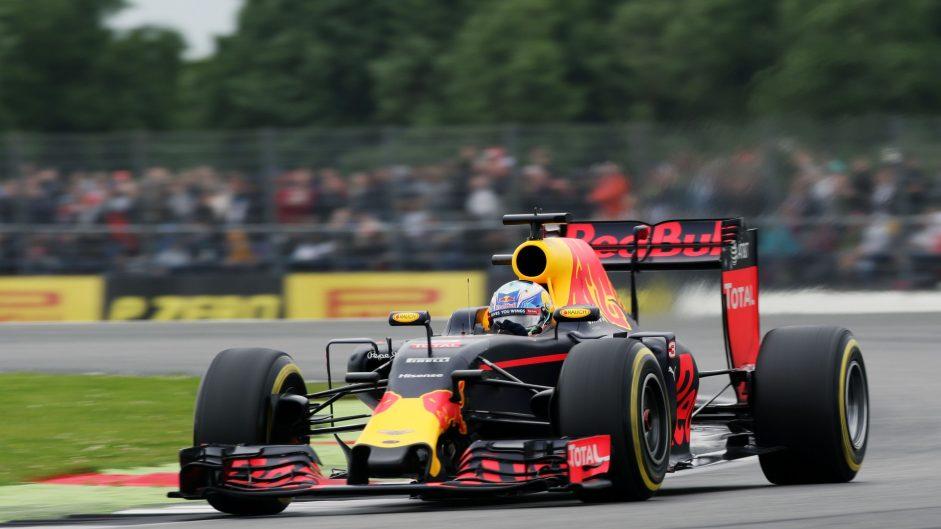 Silverstone sets up Hamilton vs Rosberg and Verstappen vs Ricciardo