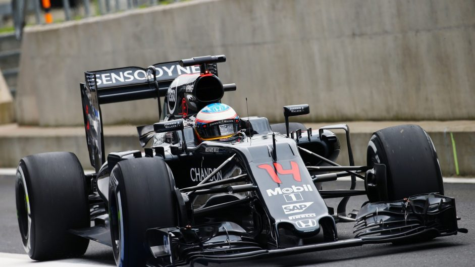 Fernando Alonso, McLaren, Silverstone test, 2016