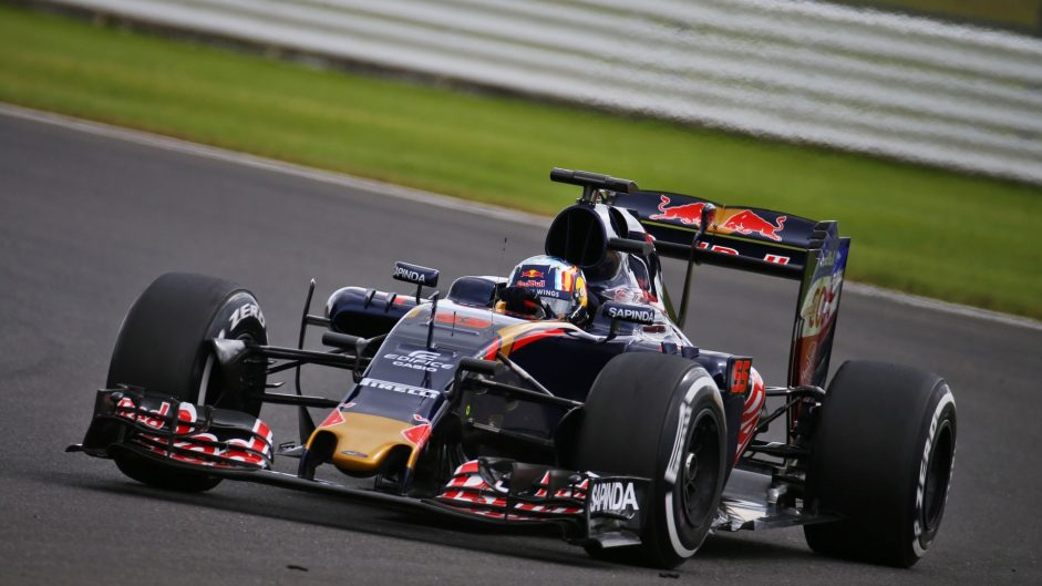 Carlos Sainz Jnr, Toro Rosso, Silverstone test, 2016