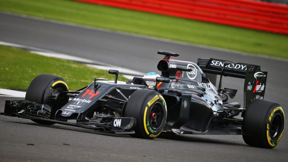 Alonso leads first day of Silverstone test