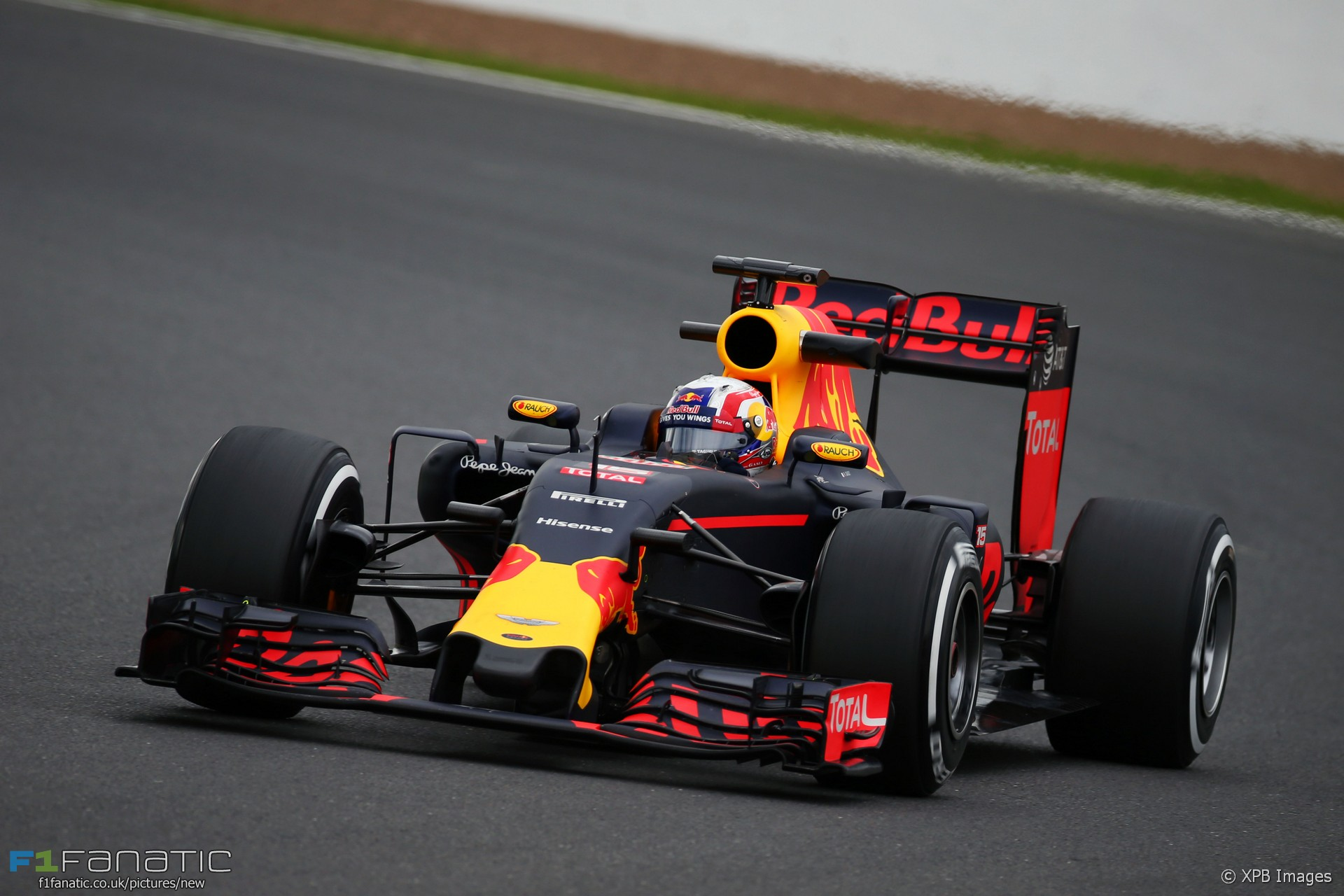 pierre gasly red bull silverstone test 2016 f1 fanatic. Black Bedroom Furniture Sets. Home Design Ideas