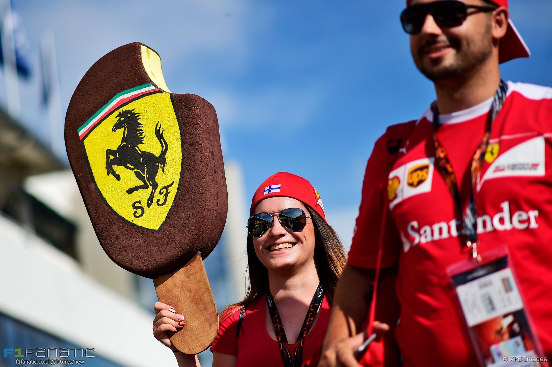Kimi Raikkonen fan, Ferrari, Hungaroring, 2016