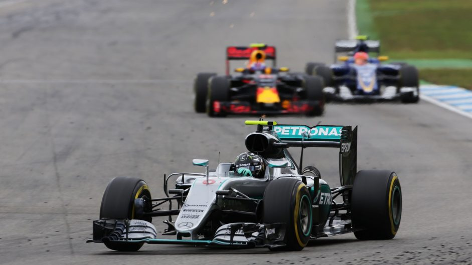 'Stopwatch failure' behind Rosberg's slow pit stop