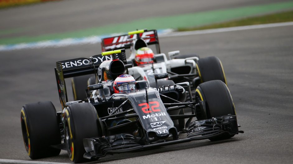 Button takes satisfaction from beating Williams