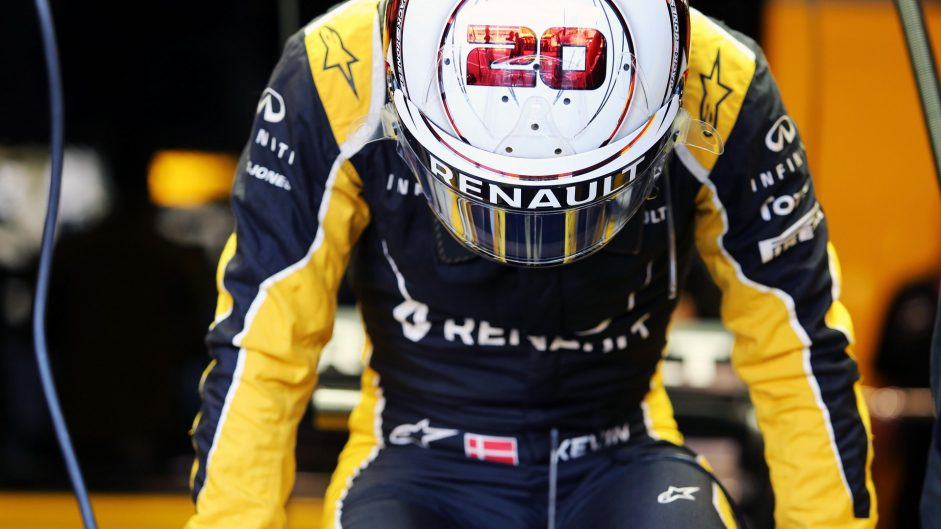 Fitness test for Magnussen after Spa crash