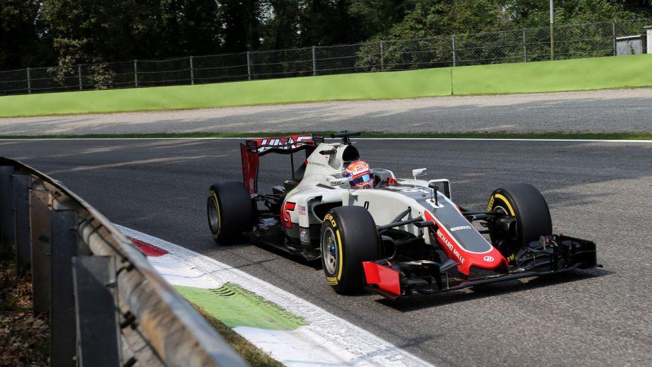 Grosjean to take grid penalty for gearbox change