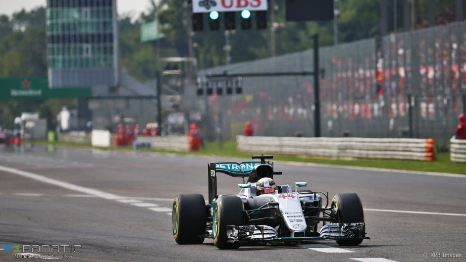 Flat-spotted tyre won't be a problem in the race – Hamilton