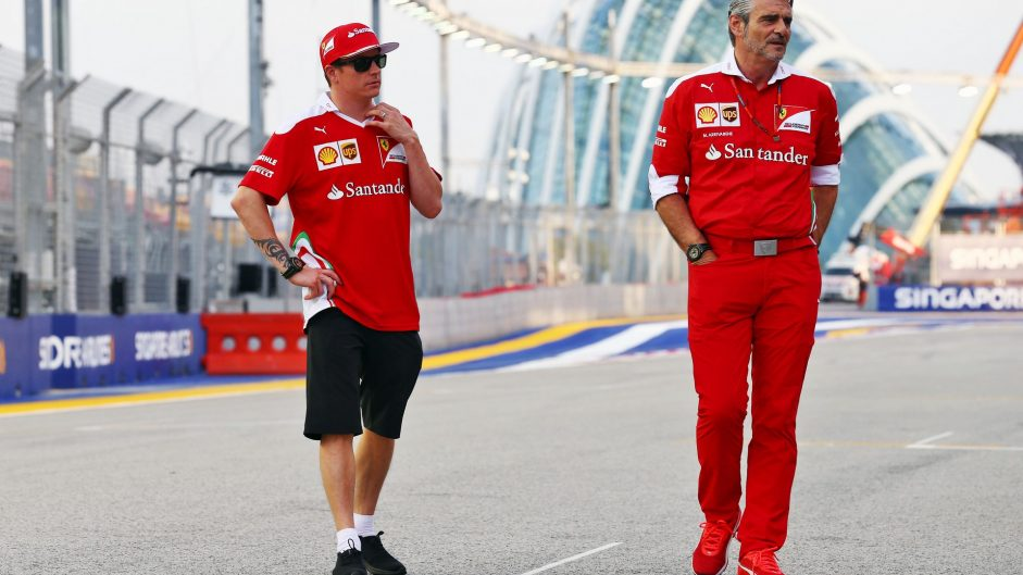 Kimi Raikkonen, Maurizio Arrivabene, Ferrari, Singapore, 2016