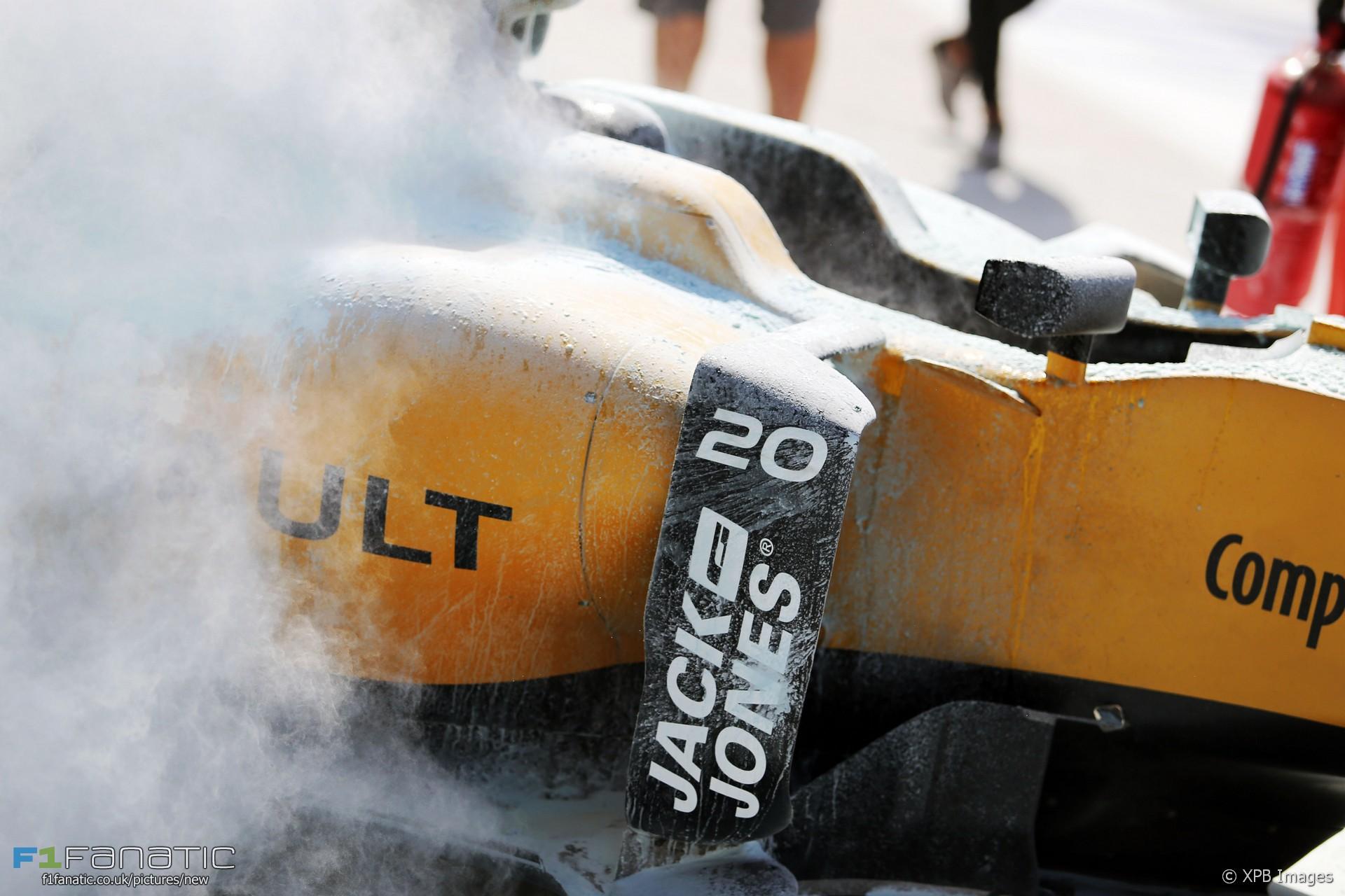 Kevin Magnussen, Renault, Sepang International Circuit, 2016