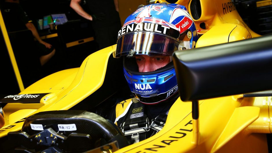 Palmer says he's on a par with Magnussen now