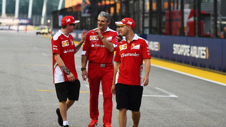 Kimi Raikkonen, Maurizio Arrivabene, Sebastian Vettel, Ferrari, Singapore, 2016