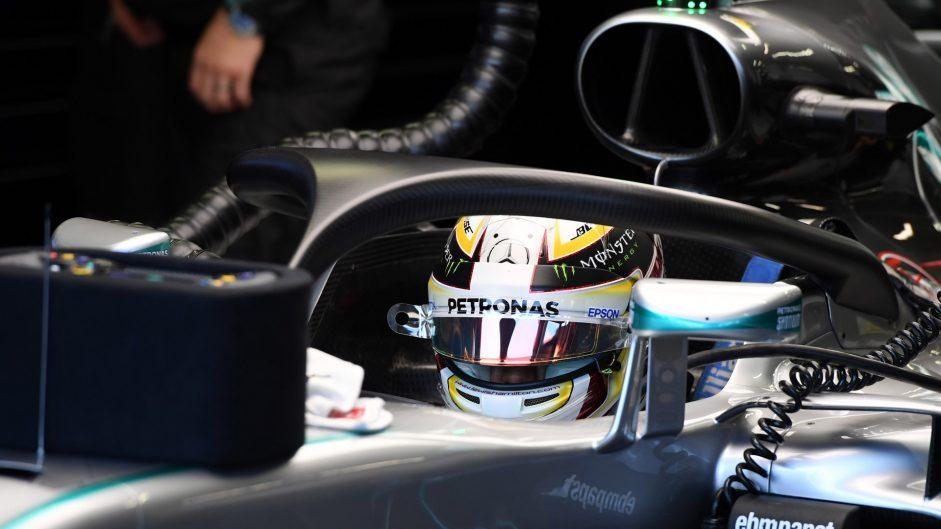 Lewis Hamilton tries the Halo, Mercedes, Singapore, 2016