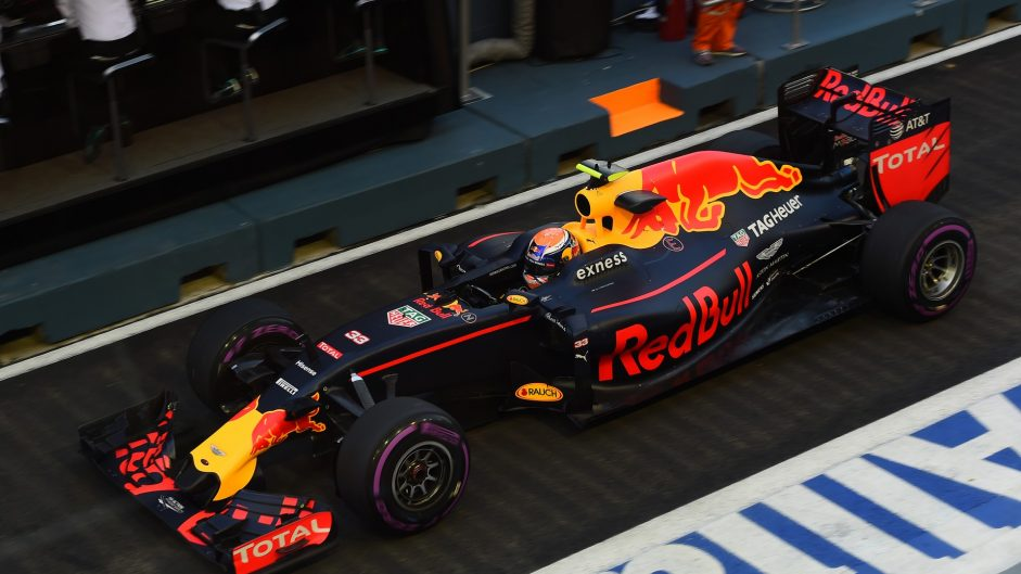 Red Bull quickest as Rosberg crashes in Singapore