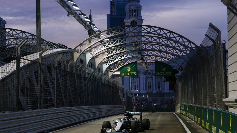 Rosberg edges Verstappen, Hamilton eighth in final practice