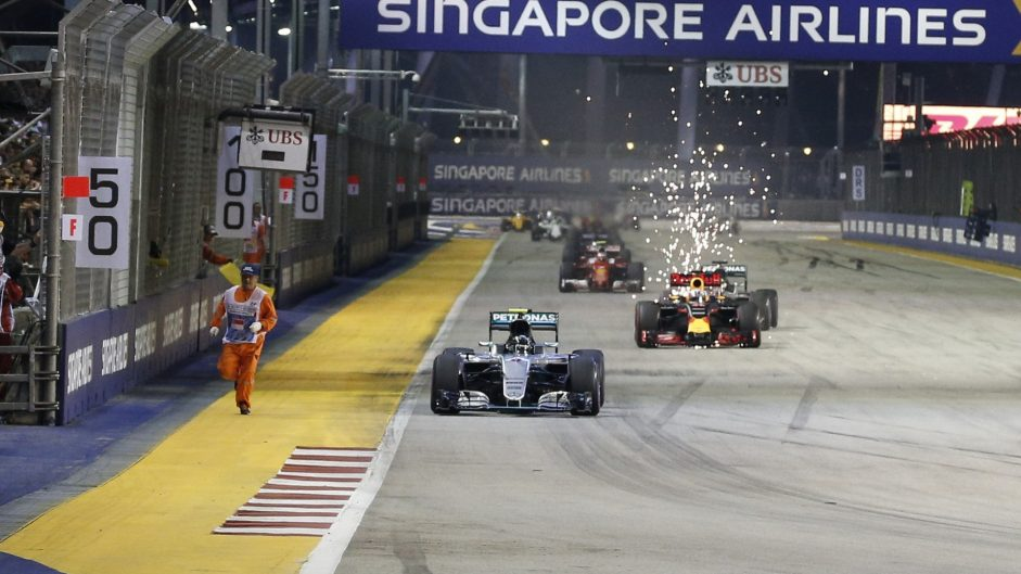 """Near-miss with marshal was """"pretty hairy"""" – Rosberg"""