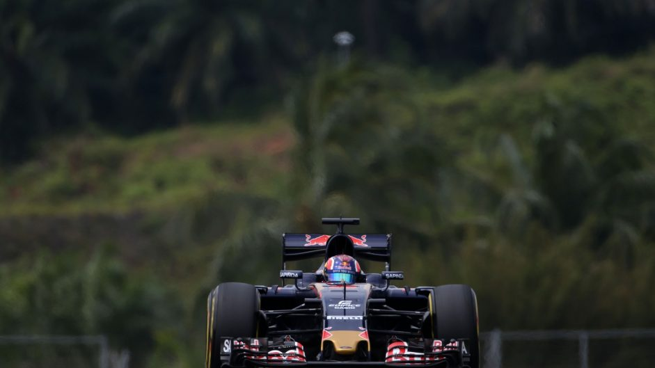 Toro Rosso stung by eighth row on grid