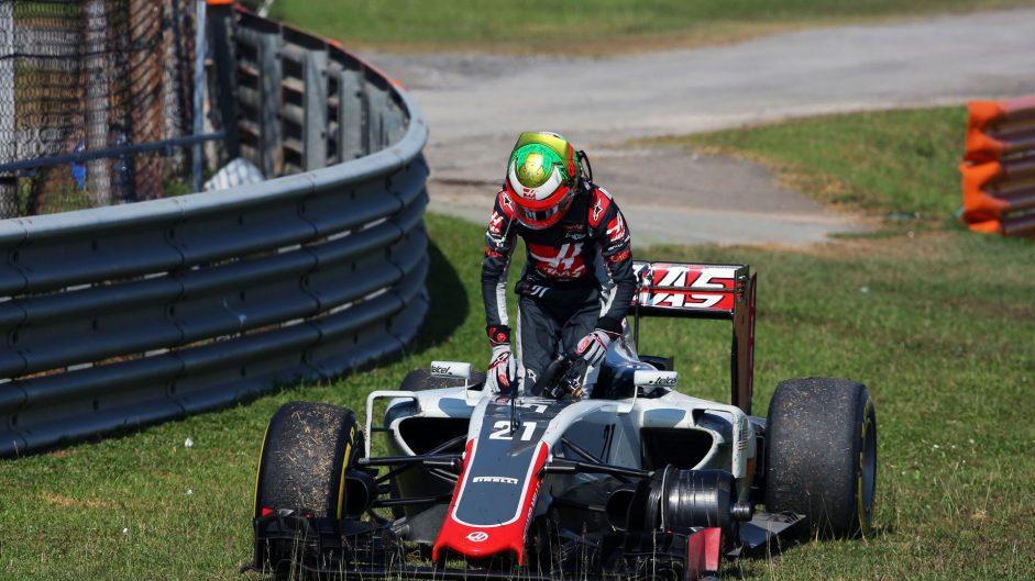 Gutierrez cleared, Haas fined over wheel loss