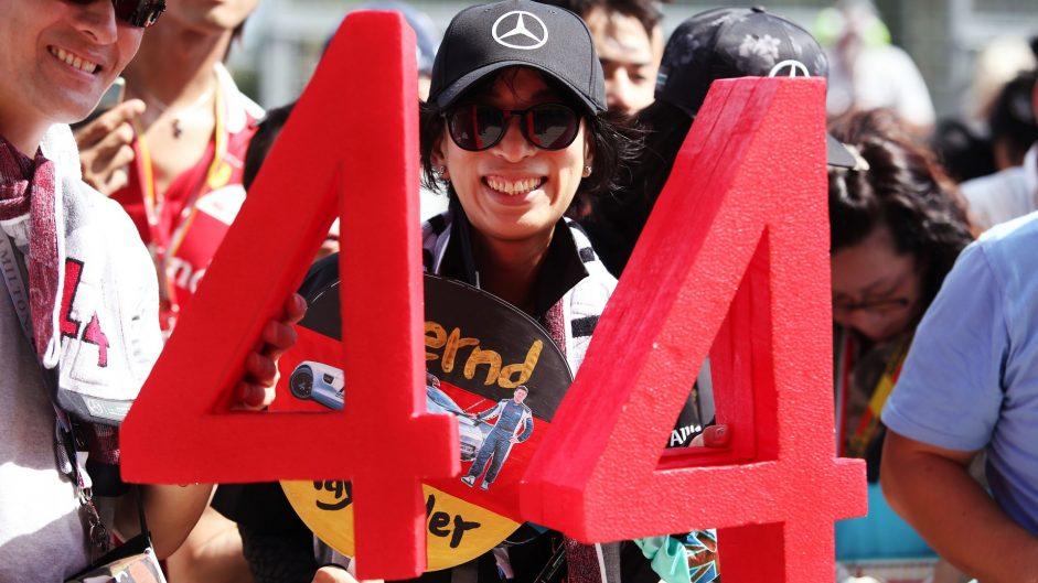 Lewis Hamilton fans, Mercedes, Suzuka, 2016