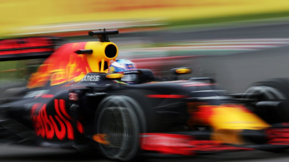 Ricciardo frustrated by loss of speed on straights