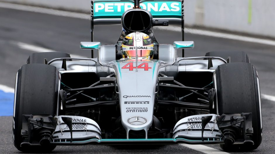 Hamilton ahead as lap times tumble in Mexico