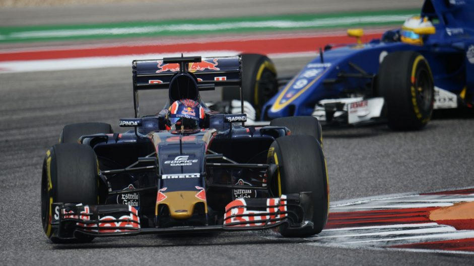 Kvyat collects more penalty points for Perez clash