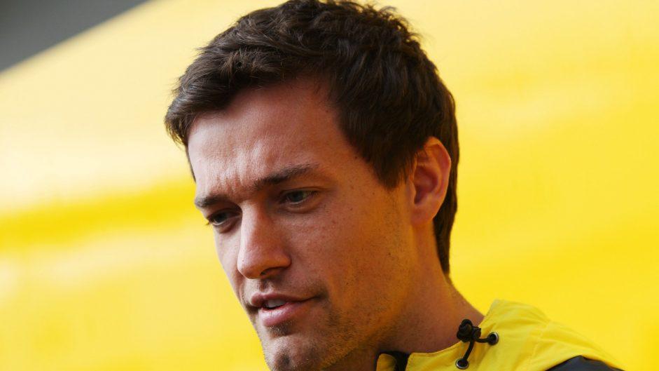 Renault keeps Palmer for 2017