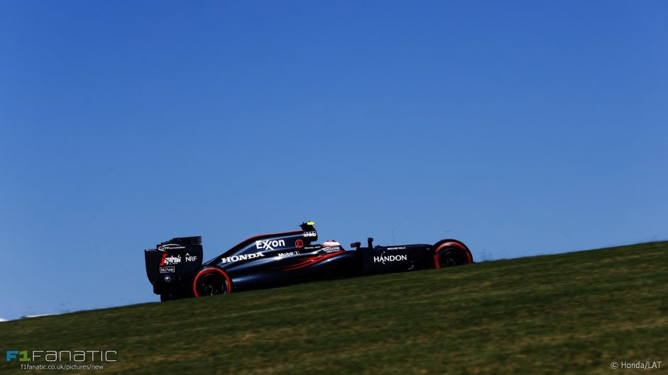 Camera angles make F1 look slow – Button