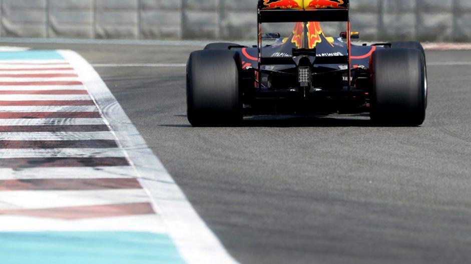 Daniel Ricciardo, Red Bull, Yas Marina, 2016