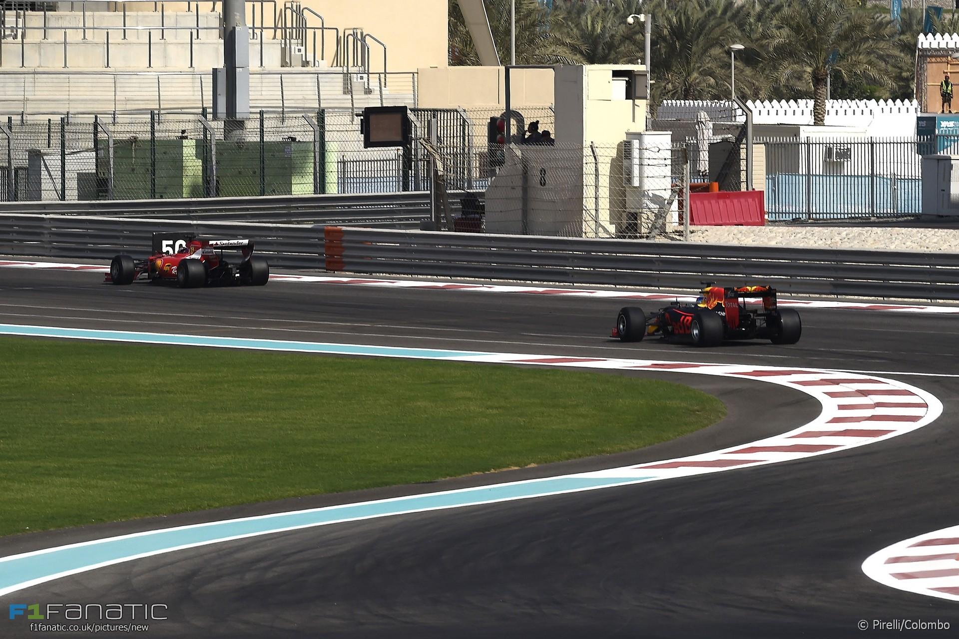 Kimi Raikkonen, Daniel Ricciardo, Yas Marina, 2016