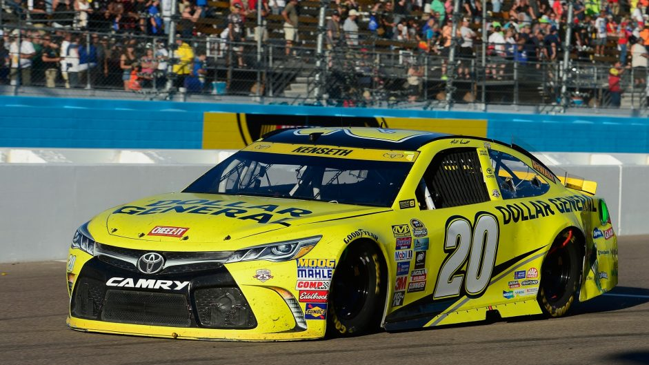 Late crash sets up NASCAR season finale