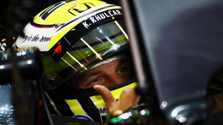 Button reverts to Brawn helmet design for last race