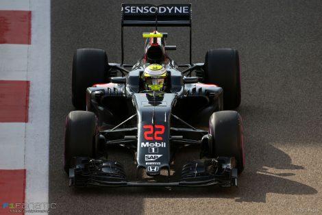 Jenson Button, McLaren, Yas Marina, 2016