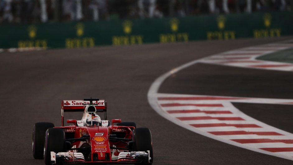 Vettel: Hamilton tow stopped me passing Rosberg