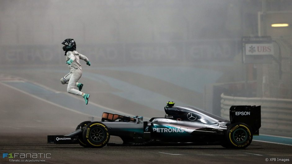 Rosberg clinches world championship title