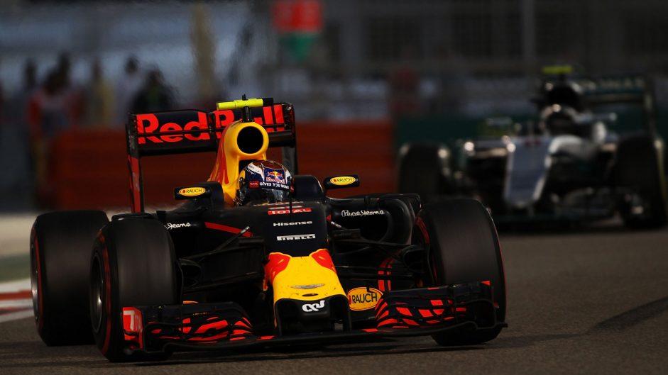 Montoya: Verstappen being singled out for overtaking