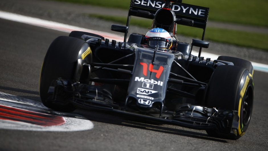 Brown predicts fifth win-less season for McLaren