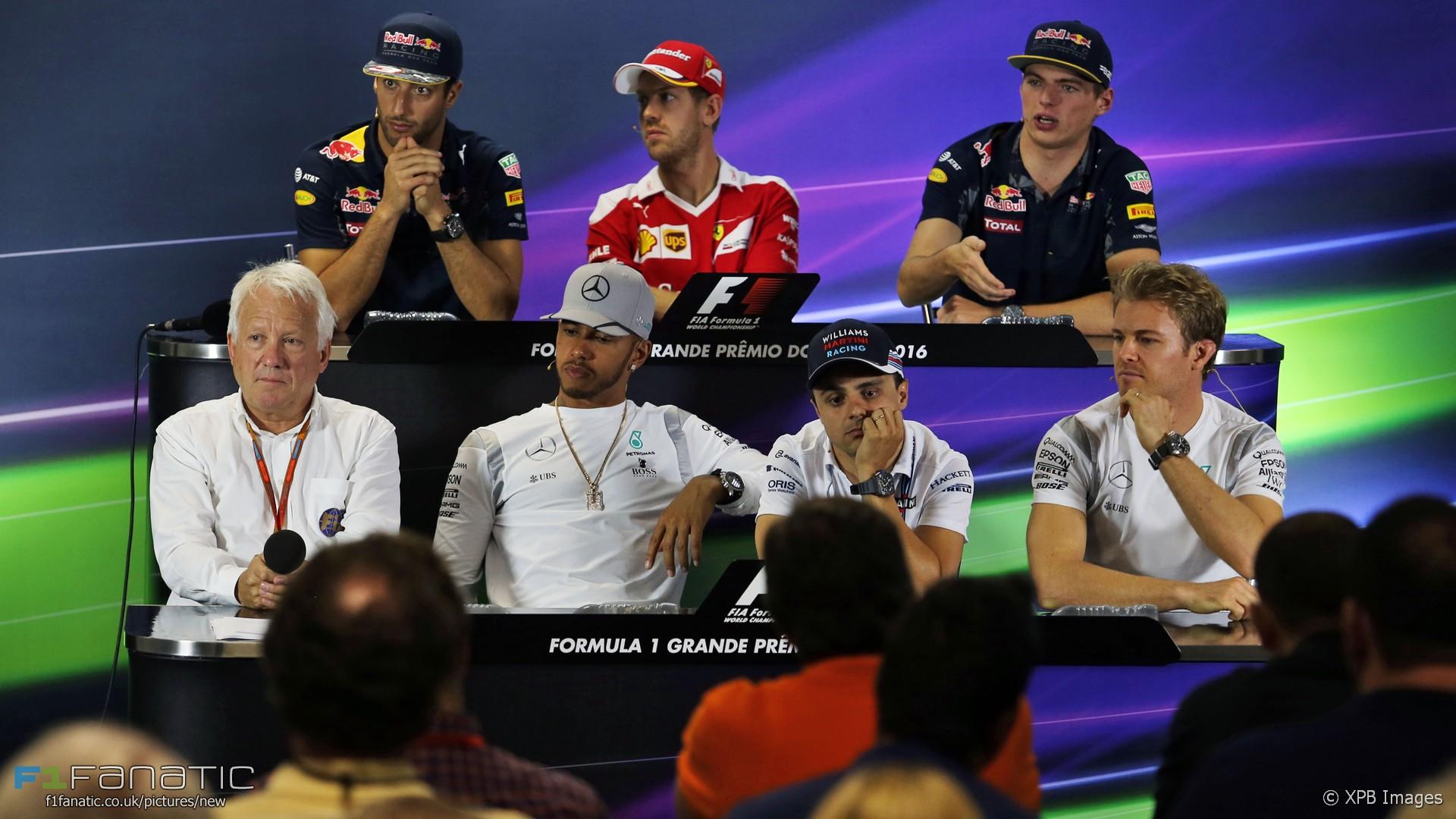 Daniel Ricciardo, Sebastian Vettel, Max Verstappen, Charlie Whiting, Lewis Hamilton, Felipe Massa, Nico Rosberg, Autodromo Hermanos Rodriguez, 2016