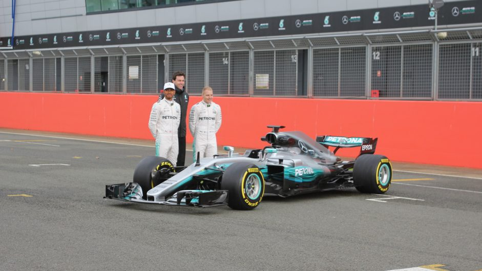 Lewis Hamilton, Valtteri Bottas, Mercedes W08, Silverstone, 2017