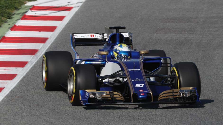 Video: Sauber first to show new car in action