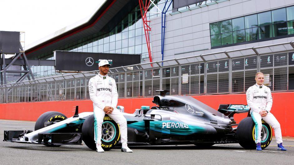 Hamilton not missing rival Rosberg