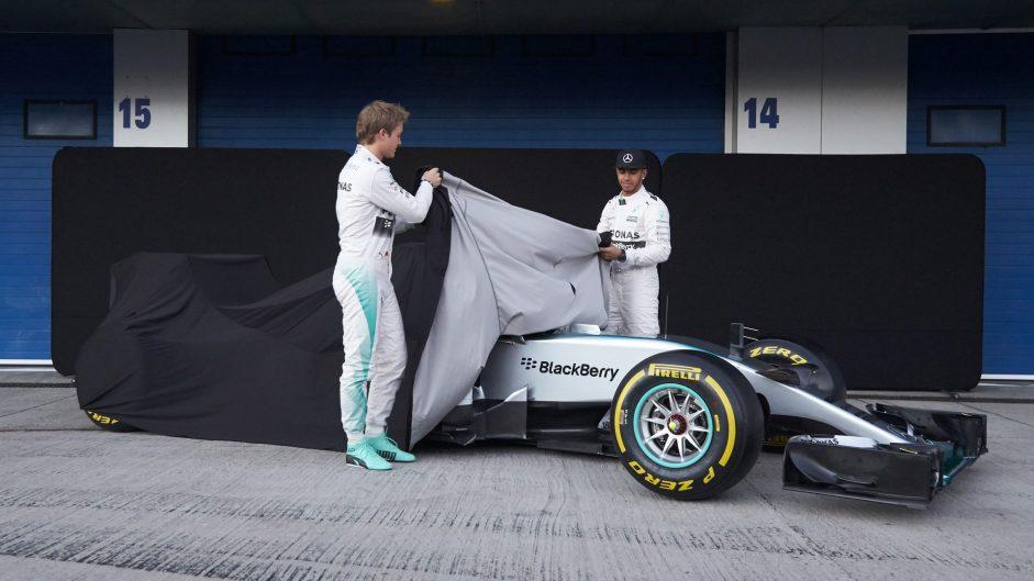 """It looks like a boat"": Hamilton on new Mercedes"