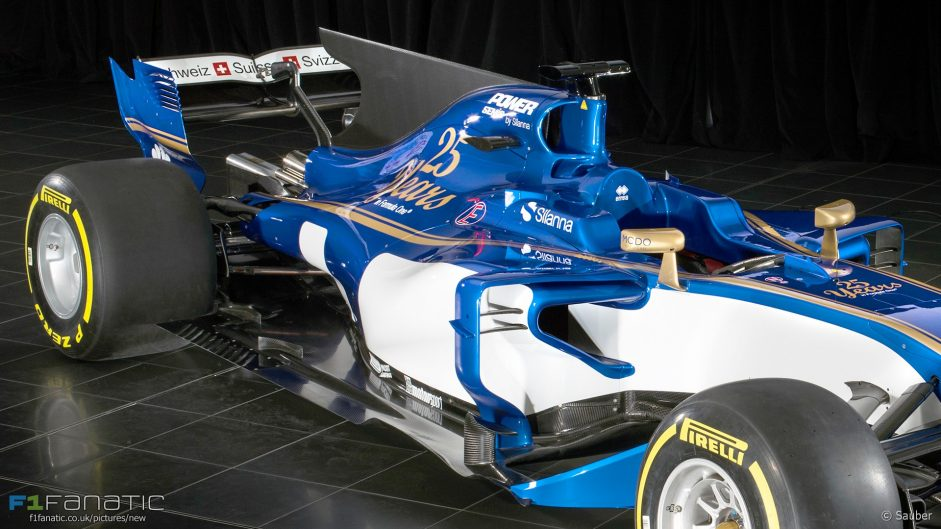 Sauber C36 mid-section (brightened), 2017