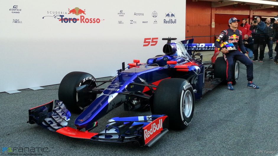 Pictures: Toro Rosso present their new car for 2017