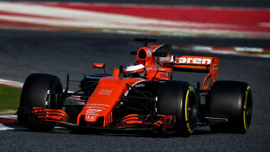 McLaren 'approached Mercedes over engines'